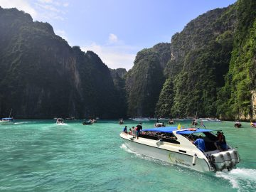 Phi Phi Island by Speedboat